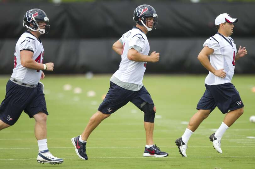 Texans special teams players practice during the second day of training camp.