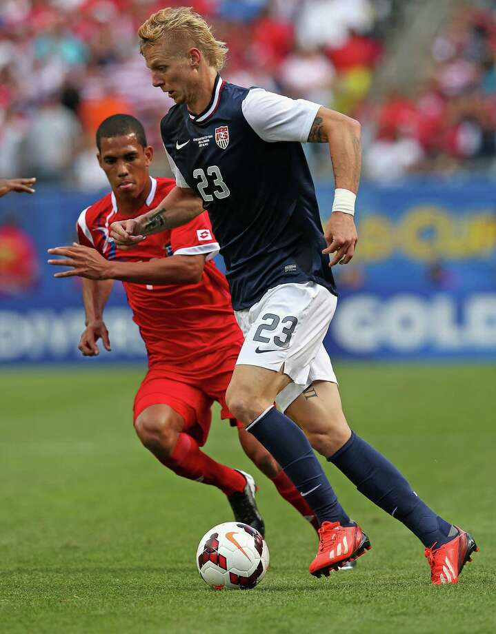 CHICAGO, IL - JULY 28:  Brek Shea #23 of the United States moves past Jairo Jimenez #18 of Panama during the CONCACAF Gold Cup final match at Soldier Field on July 28, 2013 in Chicago, Illinois. The United States defeated Panama 1-0. Photo: Jonathan Daniel, Getty Images / 2013 Getty Images
