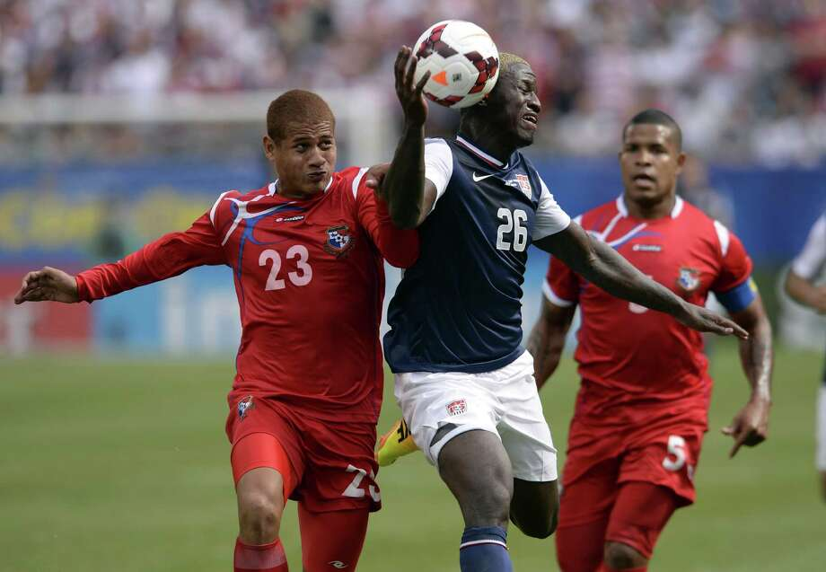 Eddie Johnson (C) of the US and Roberto Chen of Panama fight for the ball during the CONCACAF Gold Cup final on July 28, 2013 at Soldier Field in Chicago. The US defeated Panama 1-0.     AFP PHOTO / TIMOTHY CLARYTIMOTHY CLARY/AFP/Getty Images Photo: TIMOTHY CLARY, AFP/Getty Images / AFP