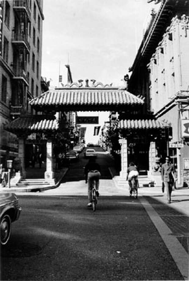 The Chinatown Gate (Bush and Grant) in 1978. Photo: Courtesy San Francisco Public Library