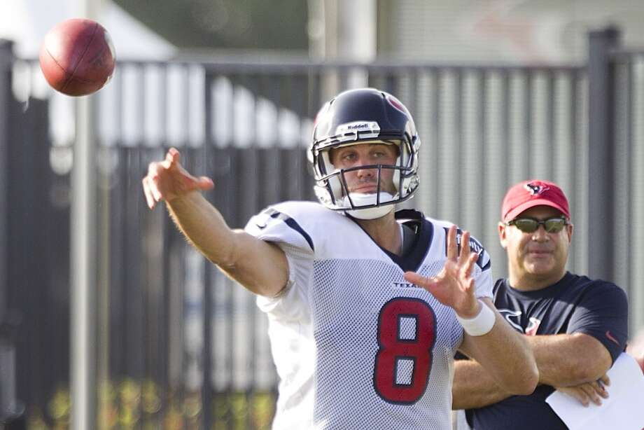 Quarterback Matt Schaub throws a pass. Photo: Brett Coomer, Chronicle