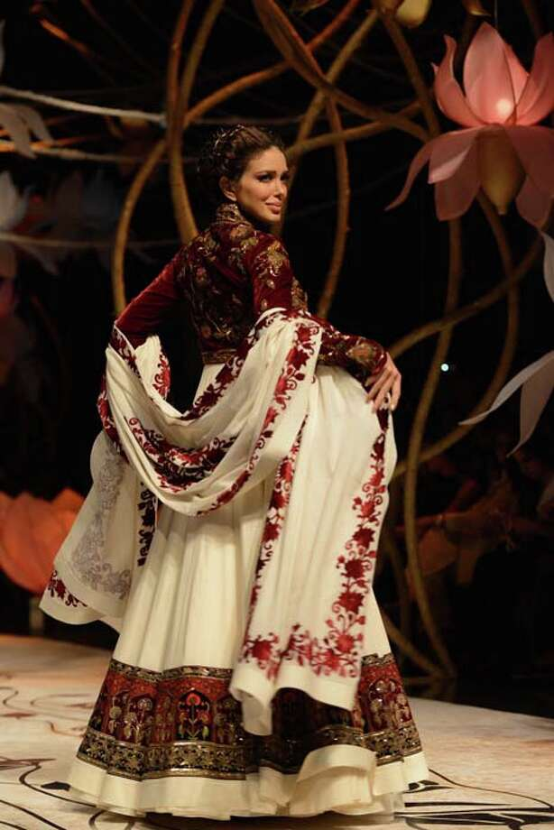 MUMBAI, INDIA  JULY 27: A modal walks the ramp for Rohit Bal at Aamby Valley India Bridal Fashion Week 2013.(Photo by Ramesh Sharma/India Today Group/Getty Images) Photo: The India Today Group, India Today Group/Getty Images / Living Media India Limited