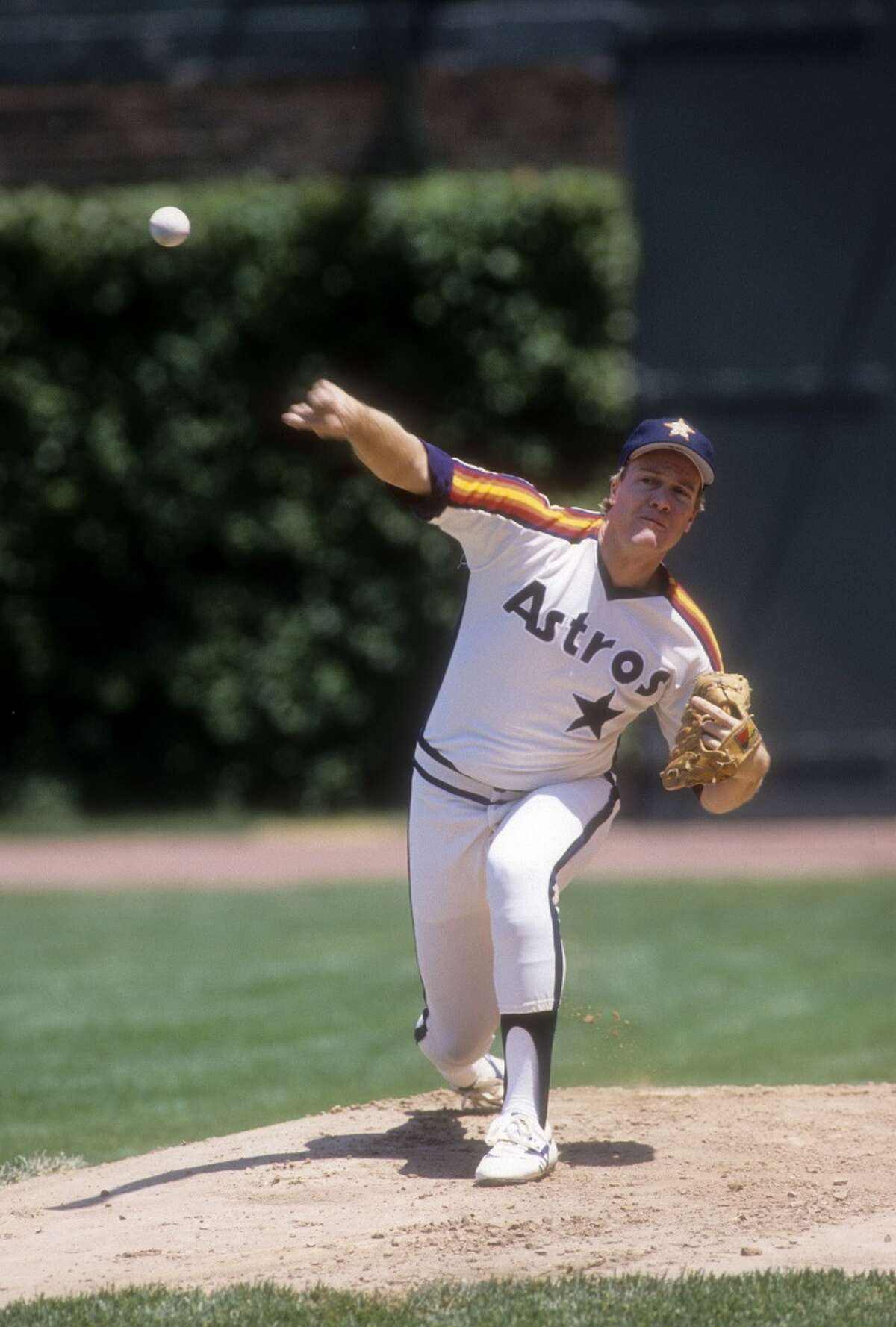 THE BEST Dec. 10, 1982: Astros acquire RHP Mike Scott from the Mets for OF Danny Heep. Scott was a struggling starter for the Mets, so the Astros got him extremely cheap. Scott went on to become one of the National League's most dominant pitchers including a 1986 season where he went 18-10 with a 2.22 ERA and won the Cy Young Award.