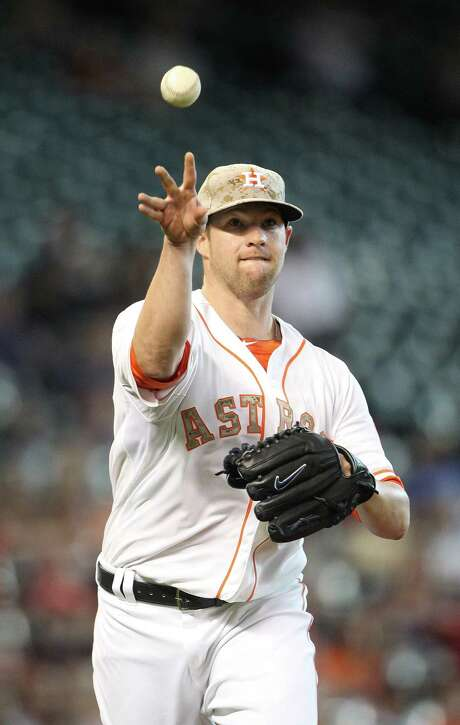 A poor July (1-2, 6.38 ERA) may have made contenders more reluctant to trade for Bud Norris. Photo: Karen Warren, Staff / © 2013 Houston Chronicle