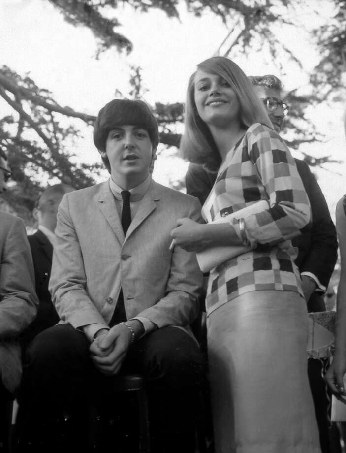 Paul McCartney and Peggy Lipton were a brief item in the '60s (here they are in 1964). She went on to marry music producer Quincy Jones. That union gave the world actress Rashida Jones. Photo: Michael Ochs Archives