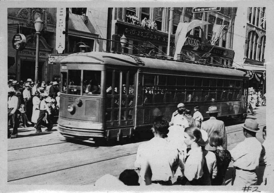 Prospect Hill Streetcar on Houston Street during Fiesta April 1933  Photo: File Photos / John Kight transportation Collec