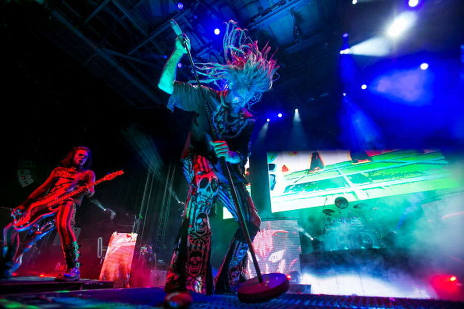 CLARKSTON, MI - JULY 28:  Piggy D (L) and Rob Zombie performs during the Rockstar Energy Drink Mayhem Festival at the DTE Energy Music Theater on July 28, 2013 in Clarkston, Michigan.  (Photo by Scott Legato/Getty Images) Photo: Scott Legato, Getty Images / 2013 Scott Legato