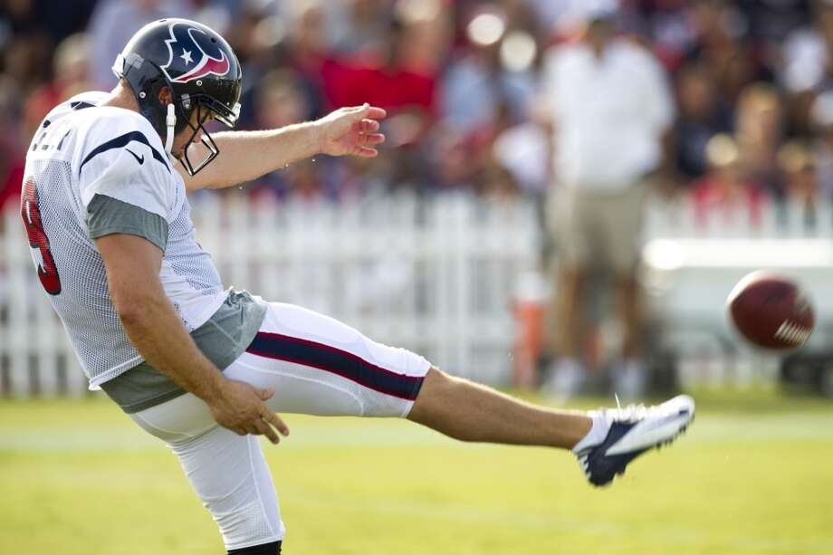 Shane Lechler punts the ball during Tuesday's practice. Photo: Brett Coomer, Chronicle