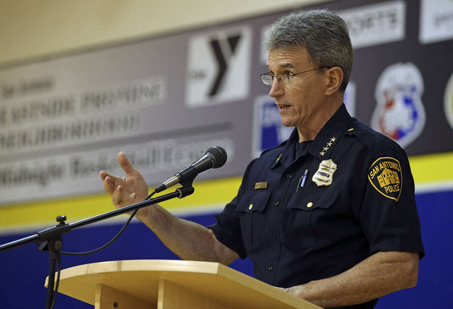 Police Chief William McManus says that having a way to anonymously provide tips will help officers to enforce the law. Photo: San Antonio Express-News / File Photo