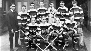 1917: Metropolitans win Stanley Cup     Seattle won its first major national championship nearly 100 years ago, when the Metropolitans of the Pacific Coast Hockey Association became the first American pro-hockey team to win the Stanley Cup. The Mets returned to the Stanley Cup finals in 1919 (that team is pictured above), but a flu epidemic halted the tournament. In 1920, the Mets returned again but lost the Stanley Cup finals to the Ottawa Senators.