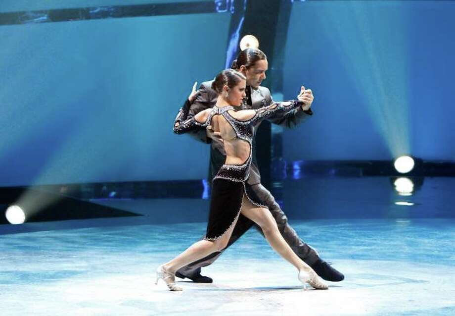 "SO YOU THINK YOU CAN DANCE: L-R: Top 14 contestant Hayley Erbert and choreographer Leonardo Barrionuevo perform an Argentine Tango routine to ""Ester Es El Rey"" choreographed by Miriam & Leonardo on SO YOU THINK YOU CAN DANCE airing Tuesday, July 29 (8:00-10:00 PM ET/PT) on FOX. ©2013 FOX Broadcasting Co. Cr: Adam Rose"
