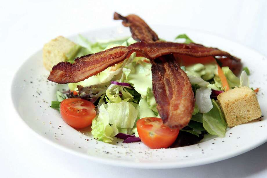Del Frisco's dinner salad will be on the menu during Houston Restaurant Weeks. Photo: Mayra Beltran, Staff / © 2013 Houston Chronicle