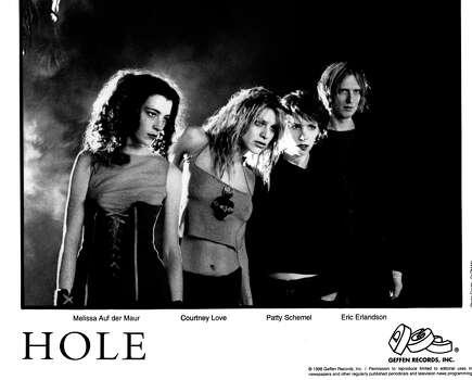 HOLE (L-R:  Melissa Auf der Maur, Courtney Love, Patty Schemel, Eric Erlandson.) Photo: GUZMAN / HANDOUT