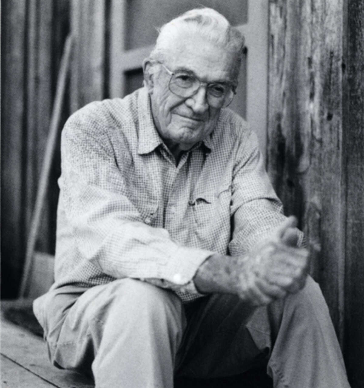 John Graves, a Texas writer whose book about a canoe trip down the Brazos River in the late 1950s, is regarded as a classic, died on July 30 at Hard Scrabble, his small farm outside Glen Rose