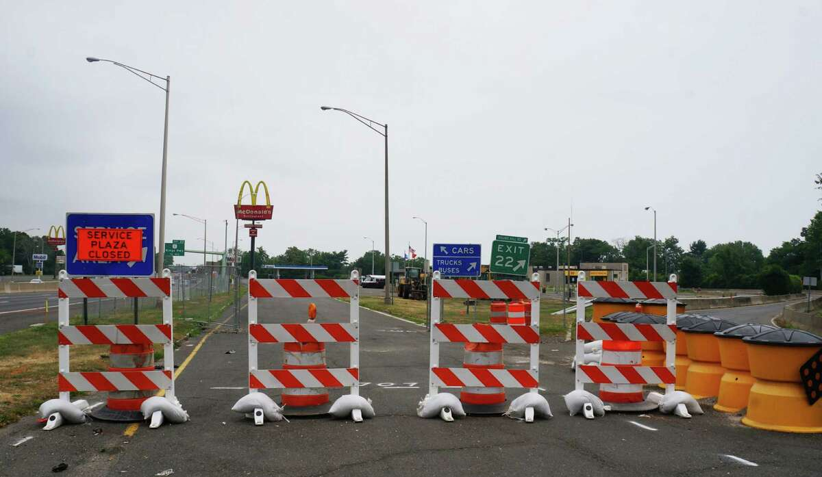 The rest areas at exit 22 are being renovated. The northbound plaza has already closed, and the southbound plaza will close in September.