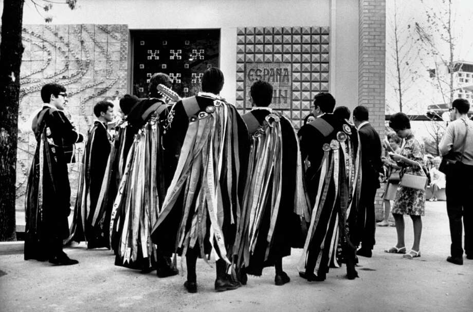 Students from the University of Madrid, wearing 16th century costumes, stand in front of the Spanish Pavilion during HemisFair in 1968. Photo: Yale Joel, Time & Life Pictures / Getty Images / Time Life Pictures