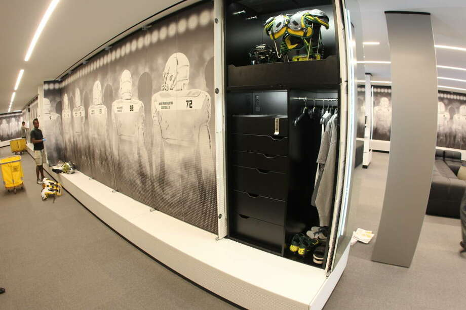 Here's a first look inside one of the lockers.  Photo: Eric Evans, GoDucks.com
