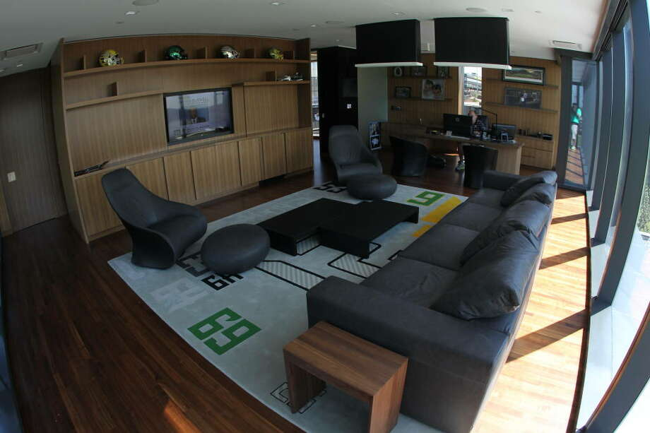 Looking the other direction toward Helfrich's desk, you can see his Oregon rug and other Ducks accoutrements.  Photo: Eric Evans, GoDucks.com