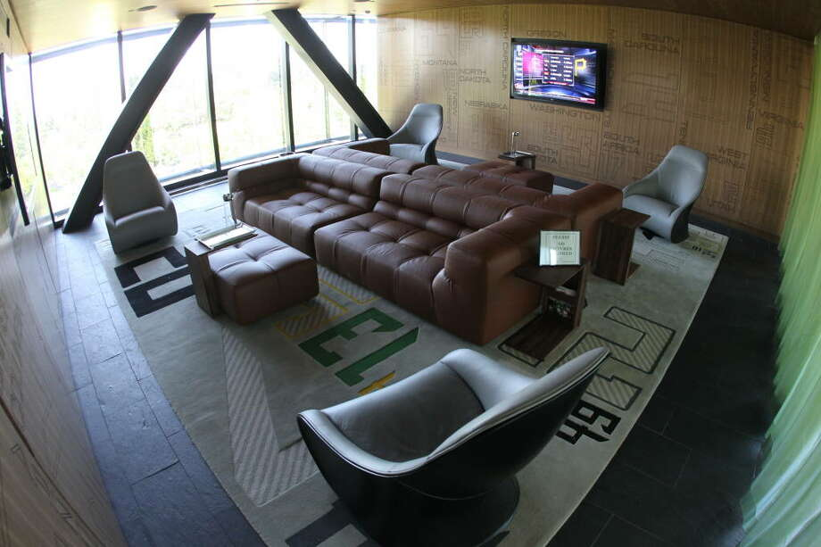 Oh, just a lounge for recruits and players' families.  Photo: Eric Evans, GoDucks.com
