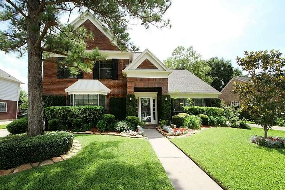 3326 Cobblestone Creek, HoustonBeds: 4Baths: 2 1/2Square footage: 2,658Price: $179,900