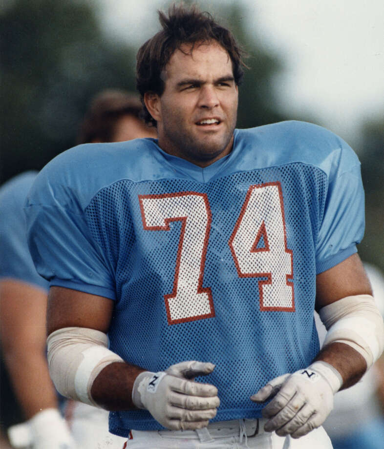 Bruce Matthews Time with the Oilers/Titans: 1983-2001   Year of HOF induction:2007   Made it to 14 Pro Bowls. Photo: Chronicle File Photo