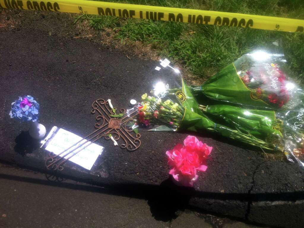mom ids seymour fire victim connecticut post a memorial sits on the driveway at the davis road home where tania sapko perished in