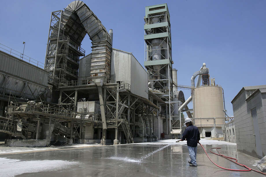 Capitol SkyMine will take emissions from the cement plant and convert them into marketable products such as baking soda. Photo: Express-News File Photo