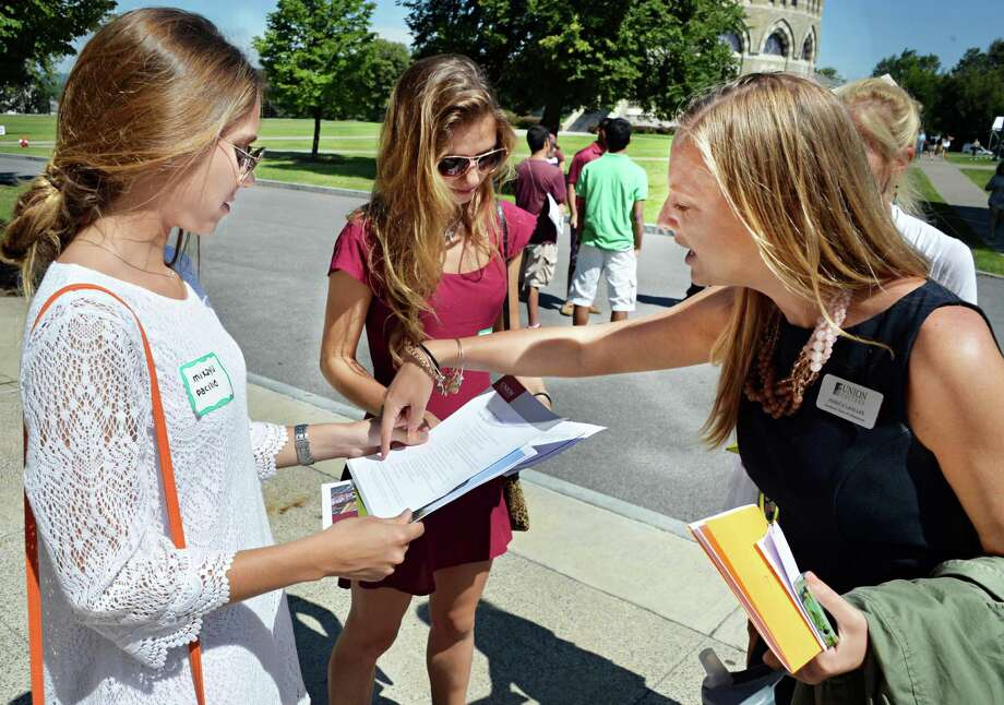 The following are the best paying jobs in the U.S. These fields could be perfect for college students and young adults. (John Carl D'Annibale / Times Union) Photo: John Carl D'Annibale / 10023372A