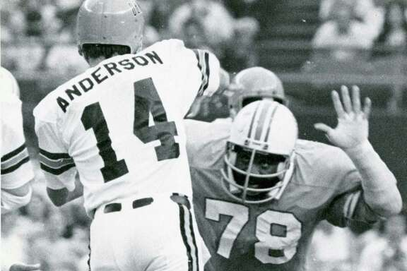 Nose tackle Curley Culp (78) was a formidable force inside for the Oilers' defense from 1974-1980.