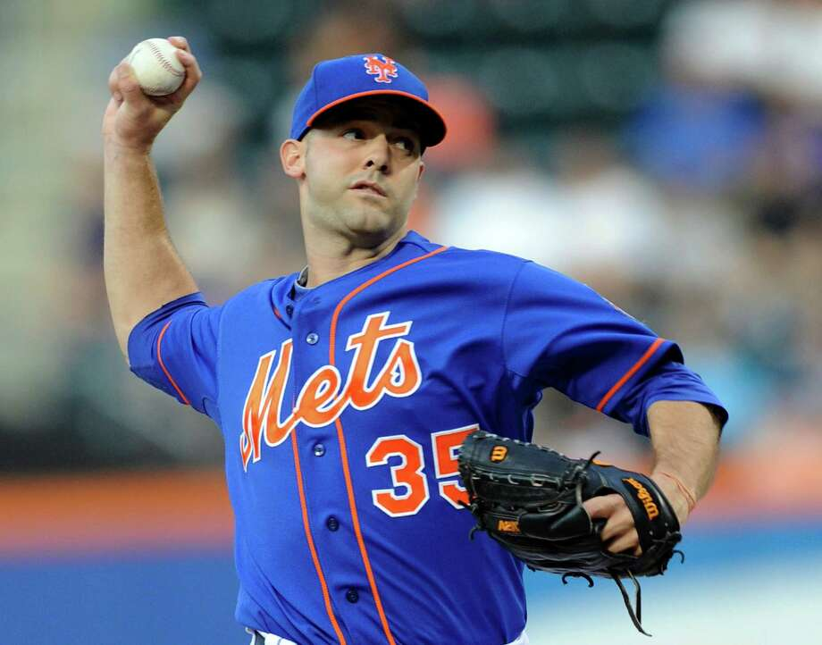 New York Mets pitcher Dillon Gee delivers the ball to the Kansas City Royals during the first inning of an interleague baseball game Friday, Aug. 2, 2013 at Citi Field in New York. (AP Photo/Bill Kostroun) ORG XMIT: NYM101 Photo: Bill Kostroun / FR51951 AP