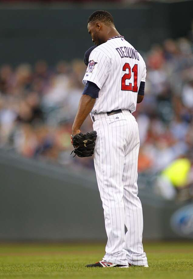 Twins starting pitcher Samuel Deduno pauses before taking the mound. Photo: ANDY CLAYTON-KING, Associated Press