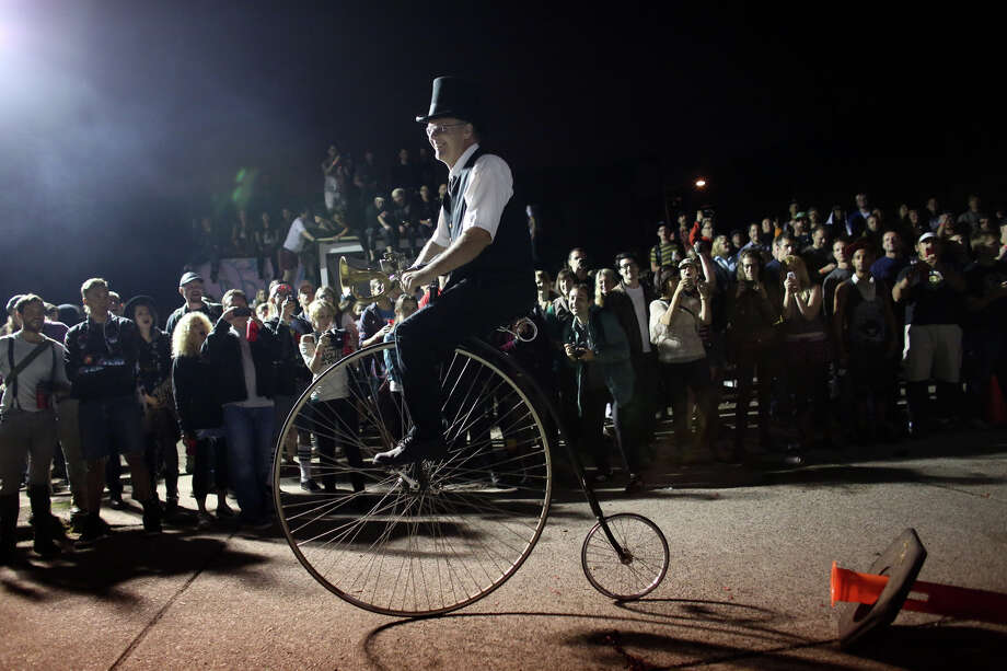 A cyclist competes. Photo: JOSHUA TRUJILLO, SEATTLEPI.COM / SEATTLEPI.COM