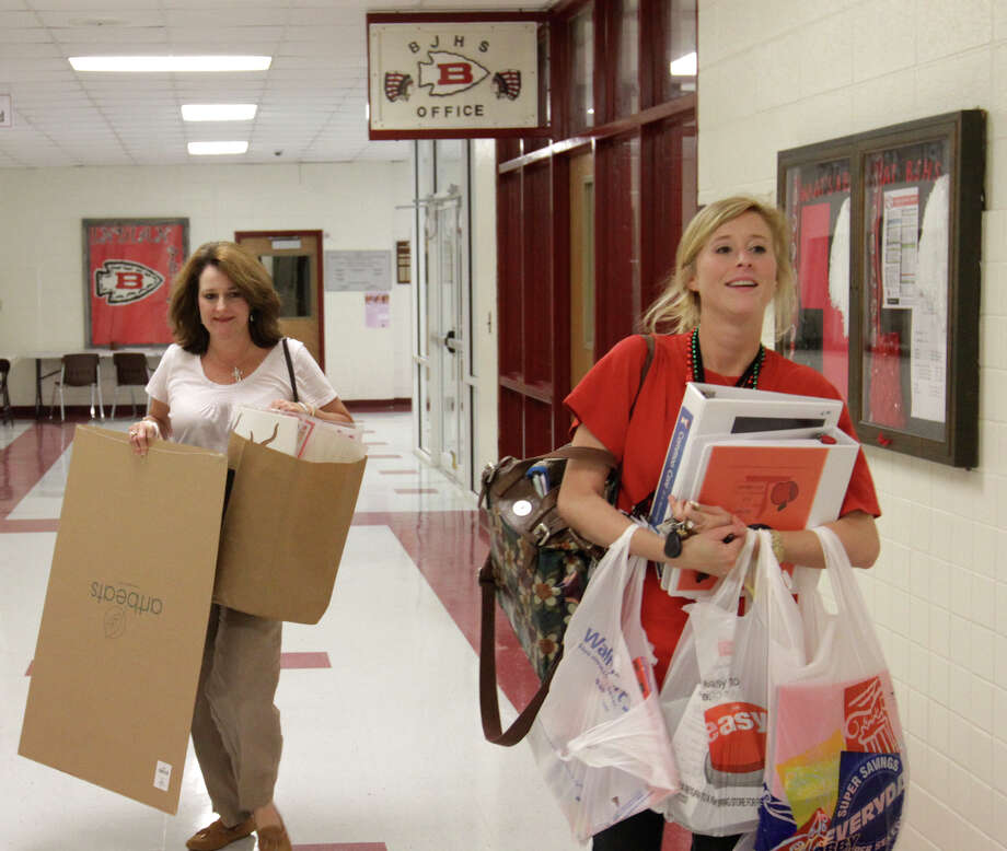 From now until Aug. 27, teachers in Texas can register for a 15% off coupon for school supplies and office items, redeemable through Sept. 1. Photo: JOHN FITZHUGH, Associated Press / SUN HERALD