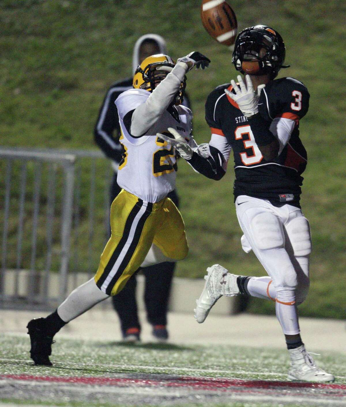Texas City wide receiver Armanti Foreman (3), who has verbally committed to attend Texas, gave opposing defensive backs fits last season.