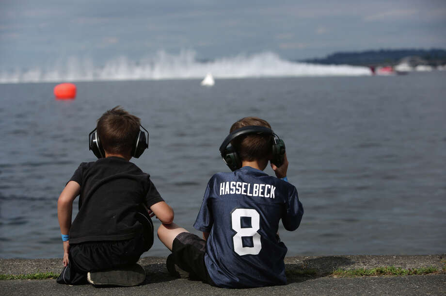 Tyler Power, 5, and Nickolas Power, 7, watch Unlimited H1 action during the annual Seafair Weekend on Lake Washington. Photo: JOSHUA TRUJILLO, SEATTLEPI.COM / SEATTLEPI.COM