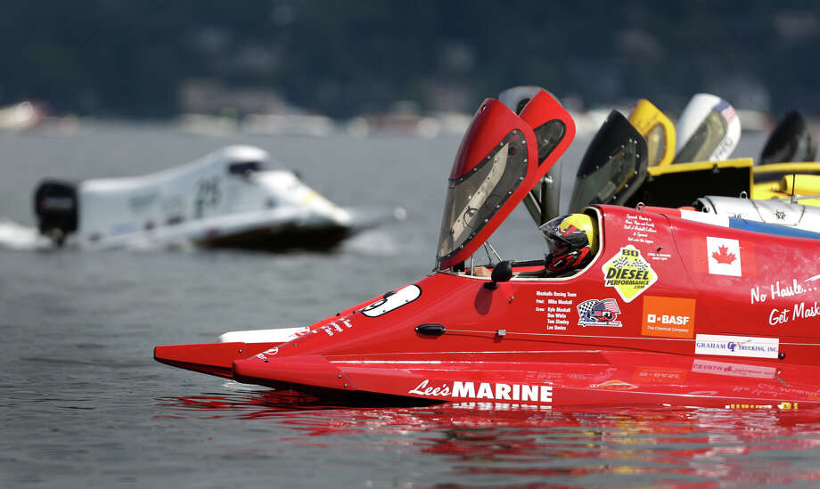 Formula One boats prepare to take off from the start during  the annual Seafair Weekend. Photo: JOSHUA TRUJILLO, SEATTLEPI.COM / SEATTLEPI.COM