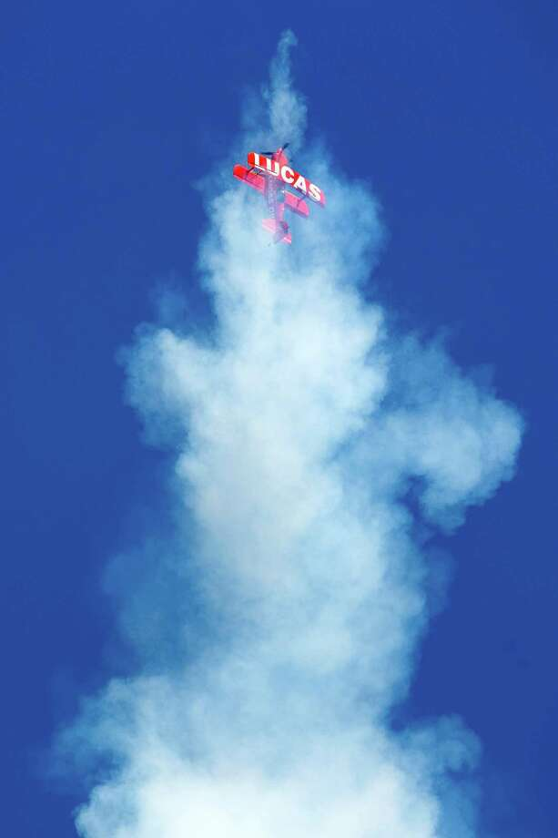 A pilot from the Lucas Oil Air Show falls into a stall on the third and final day of Seafair. Photo: JORDAN STEAD, SEATTLEPI.COM / SEATTLEPI.COM