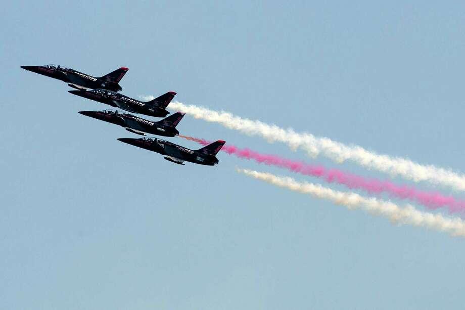 The Patriots Jet Team performs. Photo: JORDAN STEAD, SEATTLEPI.COM / SEATTLEPI.COM