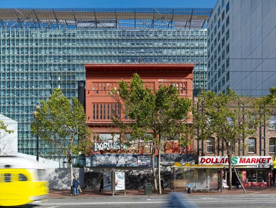 The Strand exterior as it looks today. Courtesy Skidmore, Owings & Merrill.