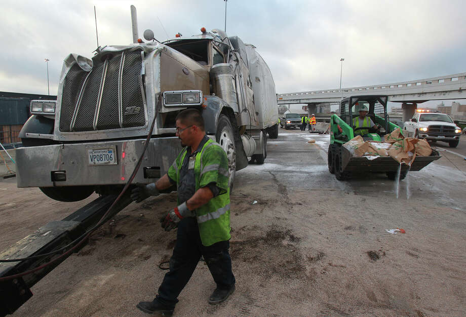 I-35 South ramp to I-10 West closed until 10 a m  for spill