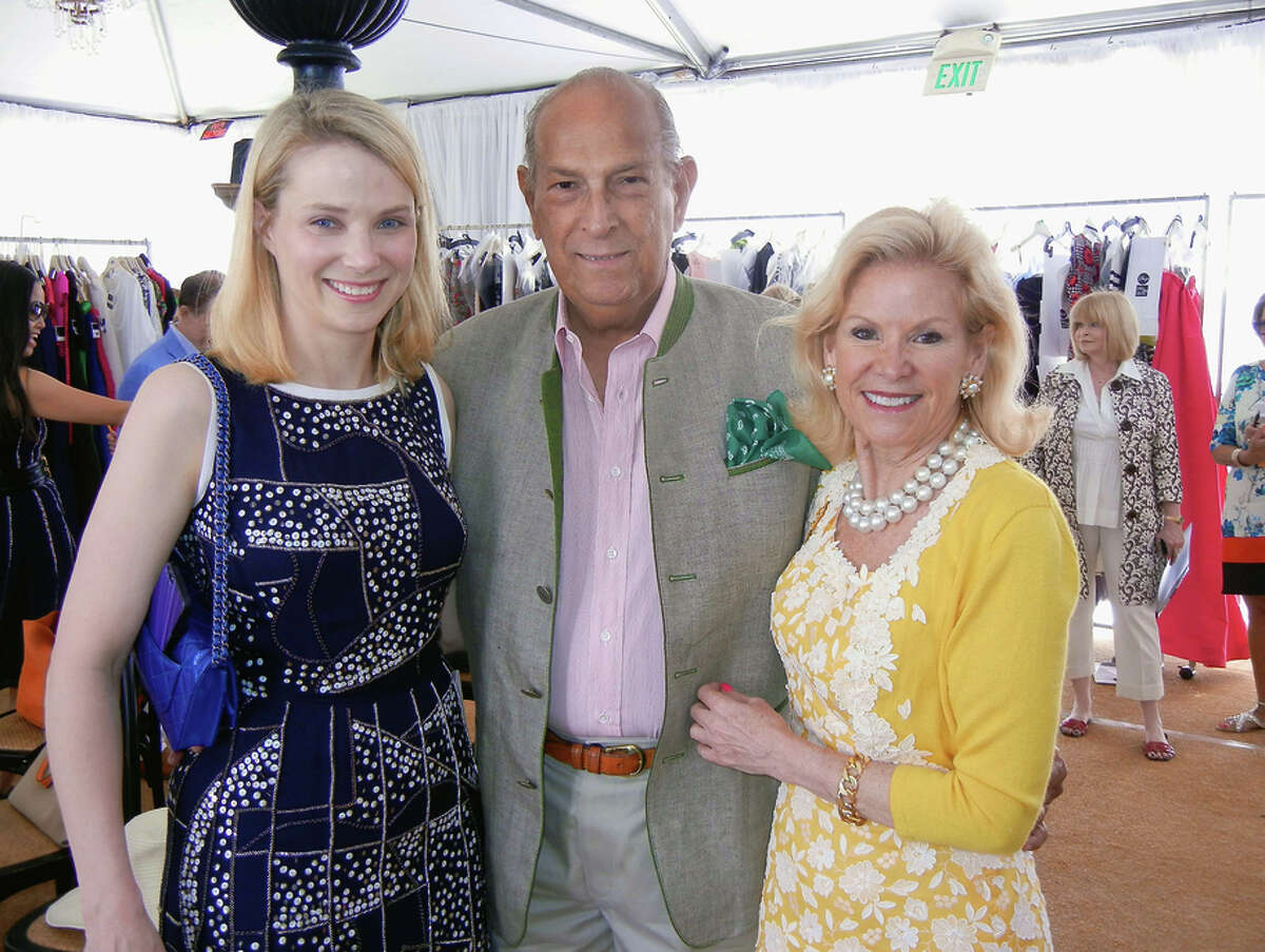 Yahoo CEO Marissa Mayer (at left) with designer Oscar de la Renta and Fine Arts Museums President Dede Wilsey at theLeague to Save Lake Tahoe fashion show. August 2013. By Catherine Bigelow.