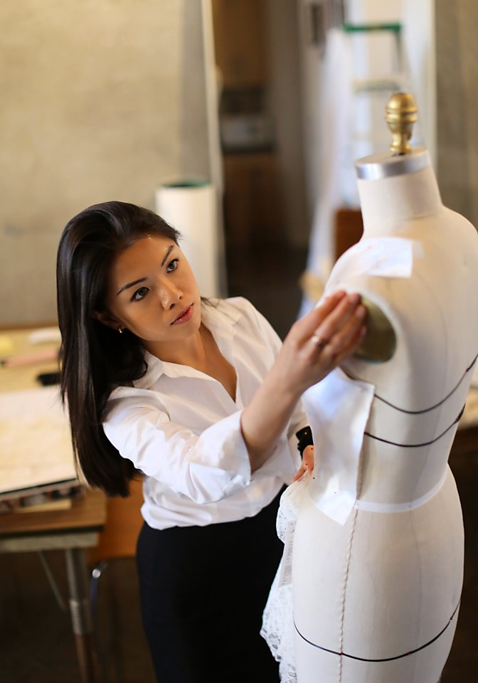 Trish Lee S Wedding Gowns Are Tailored To S F Brides Sfchronicle Com