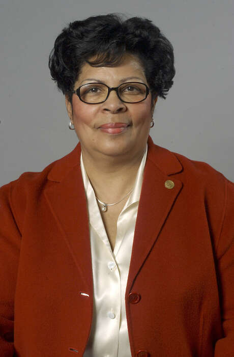 Rep. Senfronia Thompson's bill would have let victims of wage discrimination sue in state court.