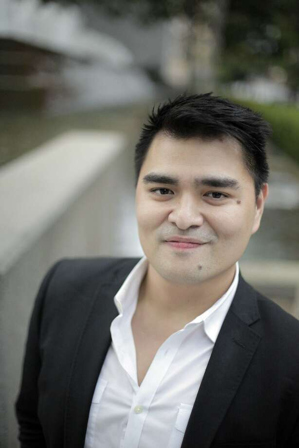 Jose Antonio Vargas was held briefly in custody while leaving Texas for  Los Angeles. Photo: Carlos Avila Gonzalez, The Chronicle
