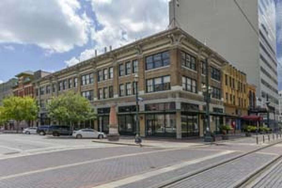 The mixed-use McCrory Building contains 29,036 square feet of office and retail space on the corner of Prairie and Main Street. Photo: The Positive Image / CBRE, 2012