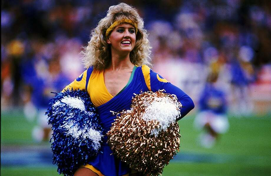 A Los Angeles Rams cheerleader in 1987. Photo: Pascal Rondeau, Getty Images