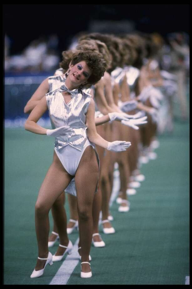 New Orleans cheerleaders in 1986. Photo: Mike Powell, Getty Images