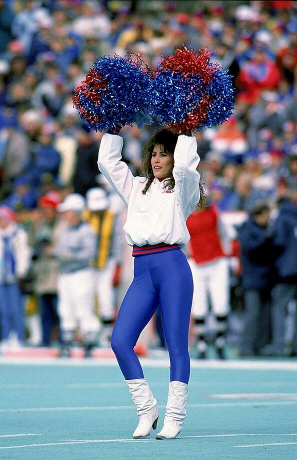 A Buffalo Bills Cheerleader in 1988 Photo: Rick Stewart, Getty Images