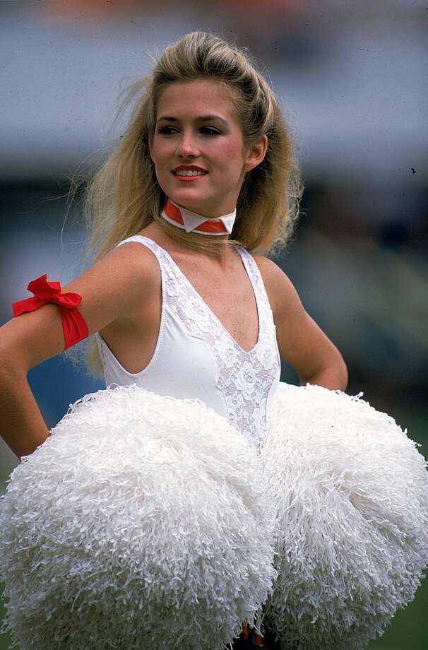A cheerleader in 1989. Photo: Allen Steele, Getty Images