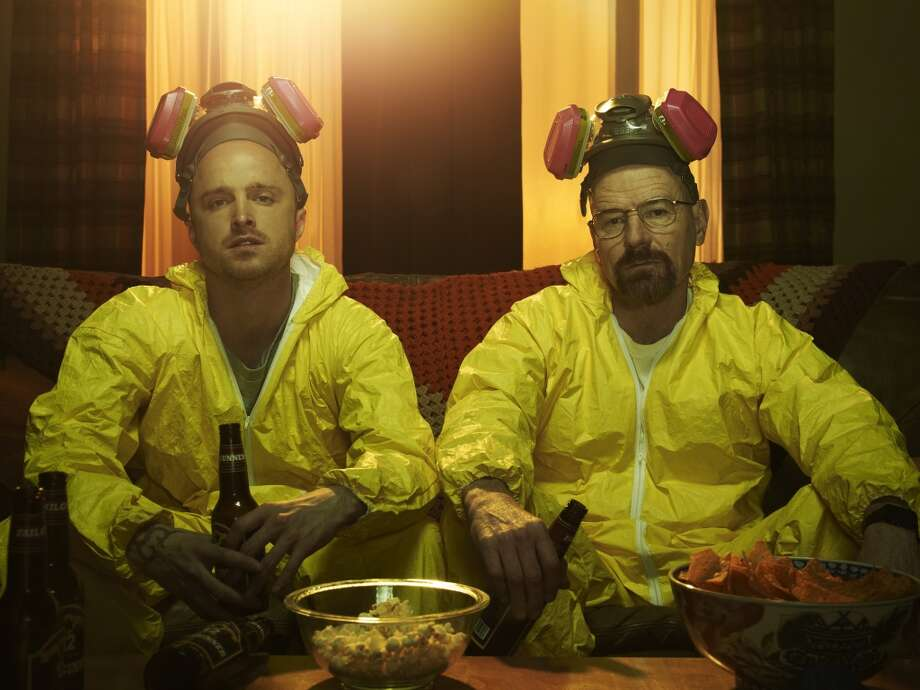 Jesse Pinkman (Aaron Paul) and Walter White (Bryan Cranston) - Breaking Bad - Gallery - Photo Credit: Frank Ockenfels/AMC Photo: Frank Ockenfels/AMC